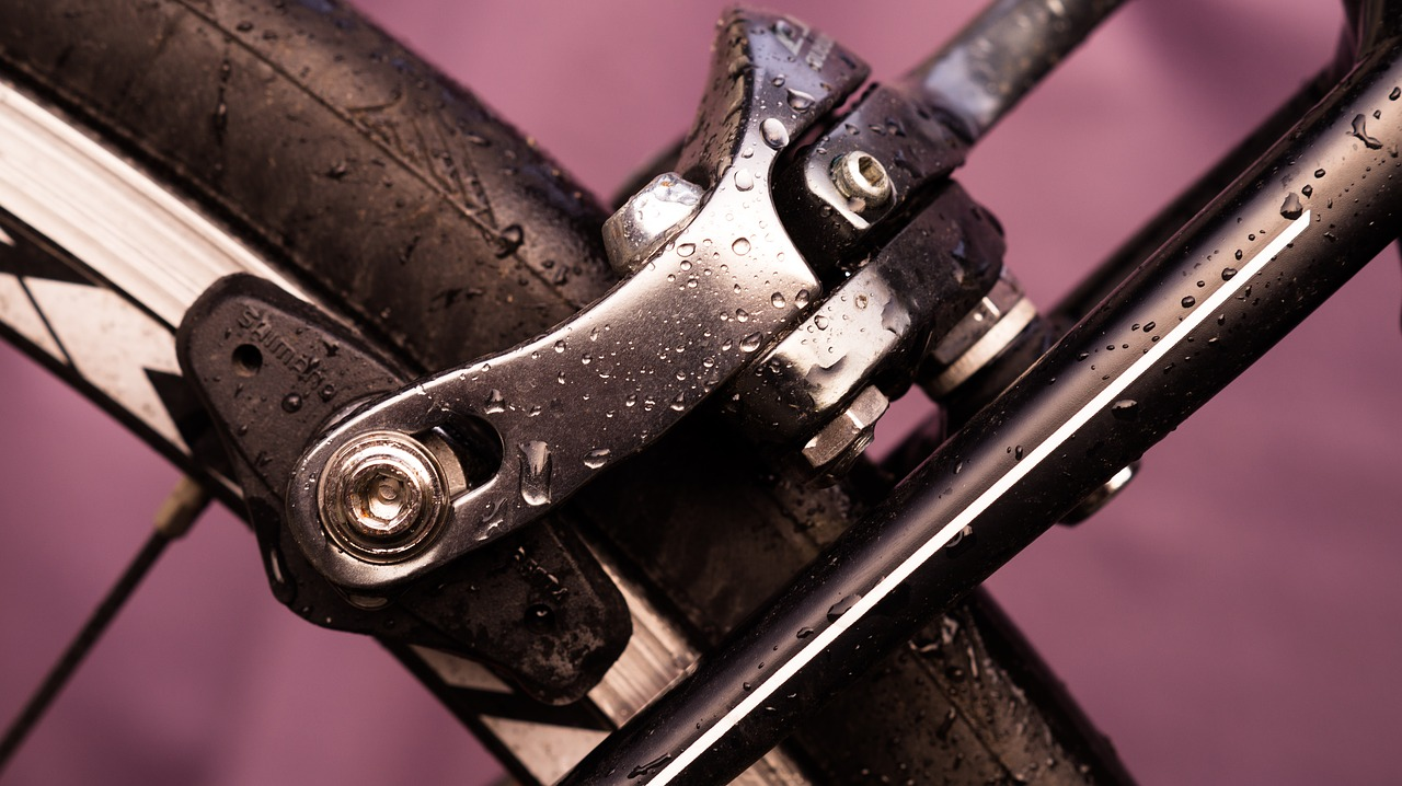 caliper brakes - important factor to consider when choosing a road bike