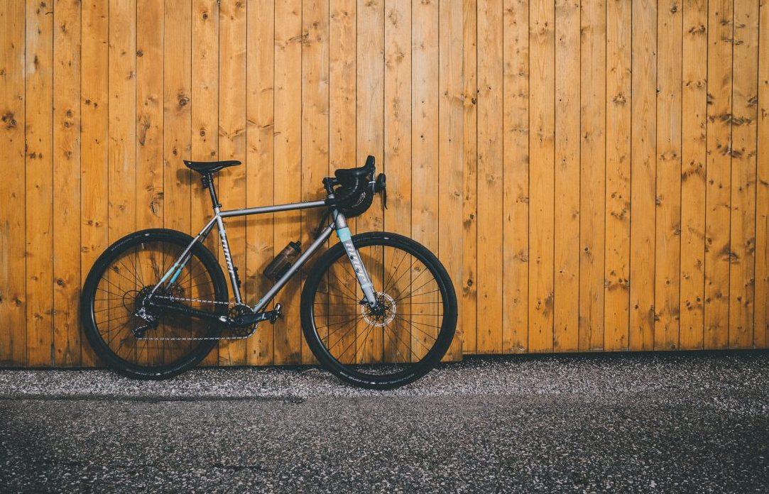 sportive bike with disc brake