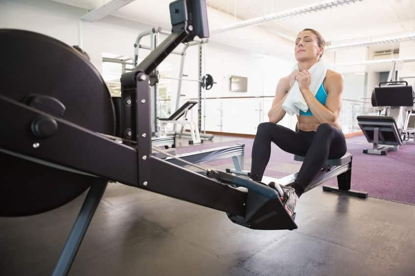 cardio vs weights: cardio training using a rowing machine